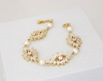 Gold Wedding bracelet, Crystal Bridal bracelet, Bridal jewelry, Pearl bracelet, Bridesmaid gift, Rose Gold bracelet, Cuff bracelet, EMMA