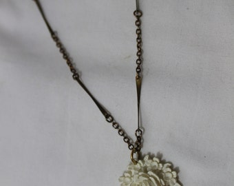 Vintage 3D White Rose Pendant With 16 Inch Chain