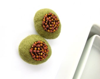 Set of 2 olive felted flat wool pebbles /  beads decorated with seed beads. DIY earrings, textile art project, wool ornaments, mosaic bead