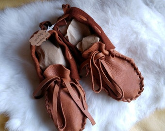 Buckskin Infant Moccasins - Premade Leather Booties - Size 8