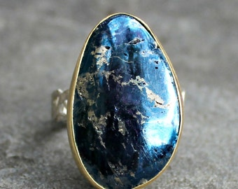 Covellite Ring - Montana Covellite - Blue Stone Ring - Sterling Silver Ring - Blue Stone Gold Bezel Ring - Gold and Silver Ring - Fancy Band