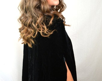 Beautiful Vintage Black 1960s 60s Velvet Cape Coat