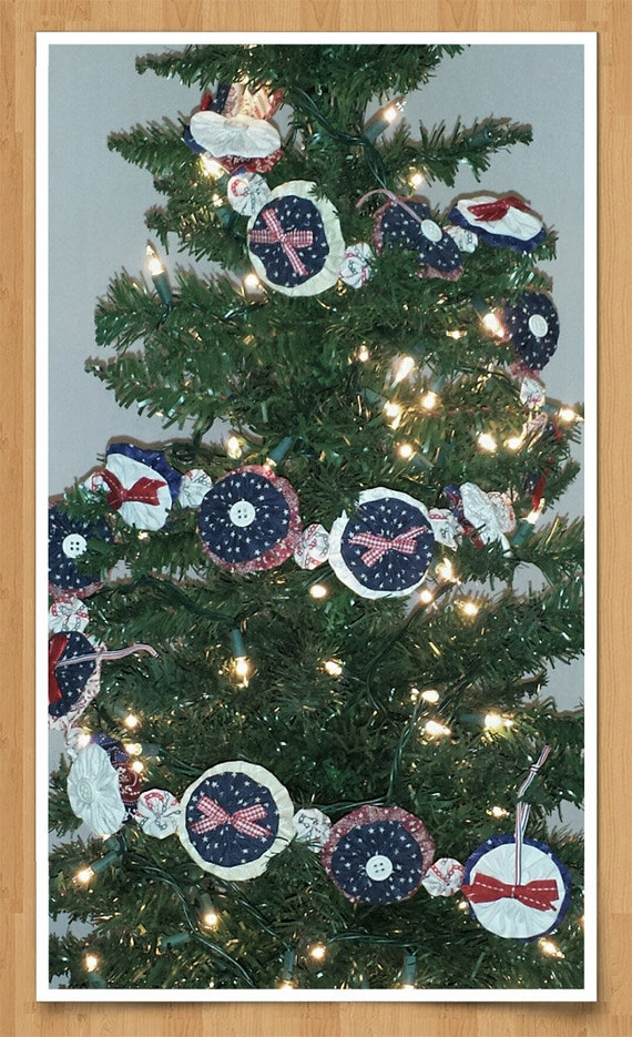 Yo Yo Christmas Garland, Patriotic Country Style Red, Navy, Cream and White Fabrics - With Buttons & Bows