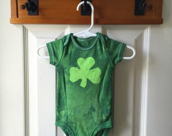 St. Patrick's Day Baby Bodysuit (3 months), Green Shamrock Baby Bodysuit, Baby Shamrock Bodysuit, Irish Baby Gift
