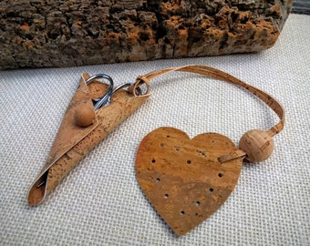 """Case and fob made of cork fabric, embroidery scissors sheath and heart fob, choose natural, blue, silver, 4""""curved scissors made in Portugal"""