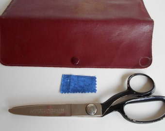 Wiss Pinking Shears in red leather case. sewing scissors. dressmaking patterns