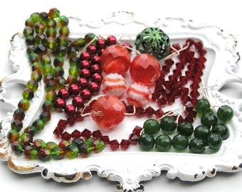 Red Beads, Green Beads, Vintage Beads, Red Pearls