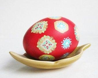 Pysanka egg - with jewelry  patterns