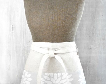 Light Gray Womens Half Apron With Pockets - White Flower -Silver Apron -  Waitress  - Teacher - Gardener - Vendor