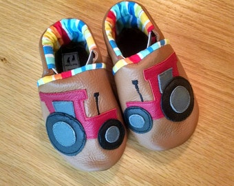 baby boy red tractor shoes size 4/ 6-12 months