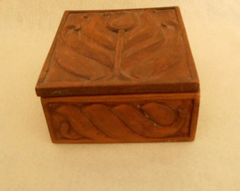 Vintage Hand-made Wood Box (VC-115)