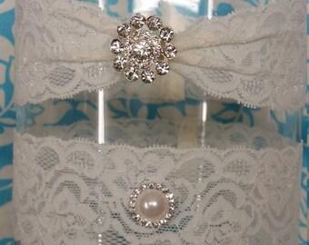 ivory Wedding Garter set  , stretch lace garter, crystal, rhinestone, with bling brooch, gathered garter pinched garter
