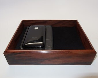 """Sophisticated Wooden Tray. Bolivian Rosewood Premium Valet Box. Leather Upholstered. 8.25"""" x 6"""" x 2"""". Watch Tray."""