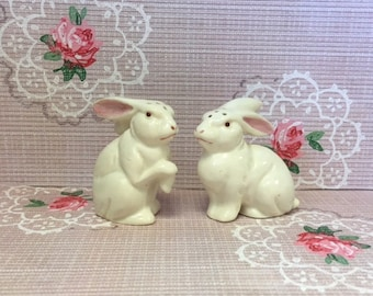 Vintage Rabbit Salt and Pepper Shakers – Bunny Shakers – 1950s