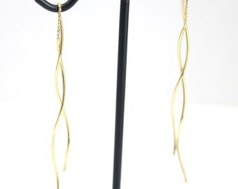 18k Yellow Gold Threaded Earrings with a Twist