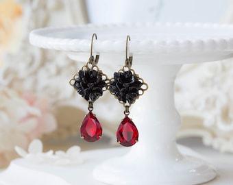 Black and Red Earrings, Black Flower Red Teardrop Glass Jewel Dangle Earrings, Vintage Victorian Style,  Leaverback Earrings, gift for her
