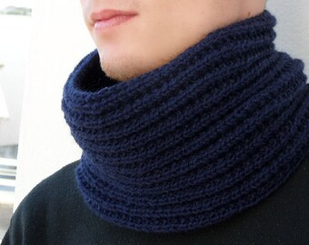 Cowl skarf. Chunky scarf for men. Dark Blue Snood. Infinity scarf. Chunky Knit Scarf. Men's Knit Circle Scarf. Knit Cowl Scarf. Men Cowl