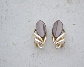 1950s Mocha Lucite Clip Earrings