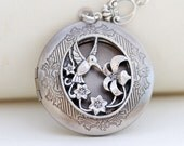 Personalization Locket Necklace,Hummingbird Locket, silver locket,jewelry gift,Locket,Silver Chain,Locket Necklace,Wedding Necklace