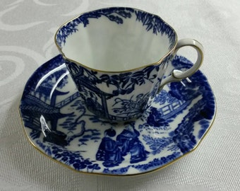 Royal Crown Derby Tea Cup and Saucer; Oriental  Scene; Mikado Pattern circa 1941-1950  -943