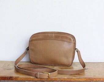 Vintage Coach Bag Camel Tan // Crossbody Purse Handbag Shoulder Bag