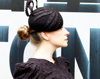 Black lace peacock modern felt beret cocktail hat