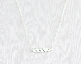 Textured dash bar necklace, silver