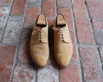 Vintage Mens 10 David and Joan Tan Nubuck Leather Lace Up Oxfords Dress Wedding Shoes Preppy Hipster Designer Autumn Fall Fashion Boat Shoe