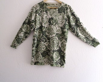 Holiday Sale 30% off Green metalic  Floral Sweater