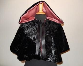 Faux fur cape Mirelle sample