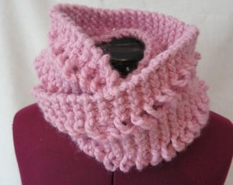 Light pink drop stitch chunky knit infinity scarf / Mauve circle scarf / Pink Heavy weight knitted scarf