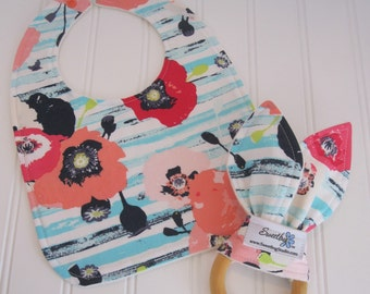 Newborn Gift Set/Infant Bib & Teether/Paparounes in Pastel/Organic Fleece Back