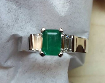 14k Emerald and Trapezoid Diamond Ring