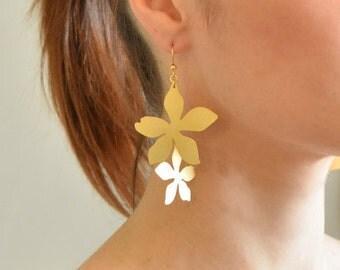 Gold Flower Earrings, statement flower earring, large dangle earrings, gold dangle earrings, chandelier earrings, gold statement earring
