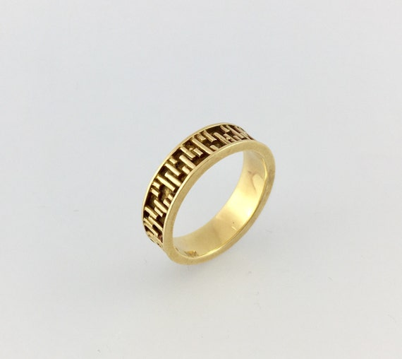 Geometric Carved Vintage 18k Yellow Gold Wedding Band -Signed Tiffany -  Size 4.5