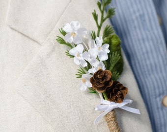 Woodland boutonniere for Groom / Rustic Wedding Accessory Lapel Pin with Vintage Flowers Leaves Ferns & Pine Cones