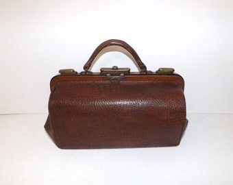 Antique 1900s brown leather crocodile pattern effect large doctors bag gladstone handbag brass fittings and fastener