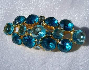 Vintage Brooch Aqua Blue Chaton Prong Set Unsigned Beauty High Fashion Stunning High End Glam Jewelry FREE SHIPPING