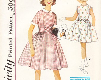 1960s Plus Size Tween Dress - Dress for Chubbies - Vintage Simplicity Sewing Pattern 4084 - Size 33 Bust