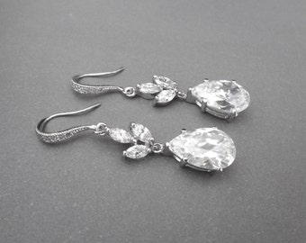 Bridal earrings ~ Wedding earrings ~ Cubic zirconias ~ High quality ~ Bridal jewelry ~ High quality ~ Lux ~ LILLY