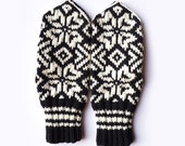 Black and White Mittens // Traditional Norwegian Mittens // Selbuvotter