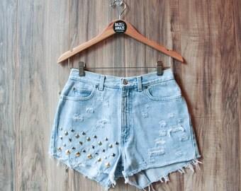 High waist studded denim shorts |  High waisted denim shorts | Ripped distressed shorts | Hipster shorts |  Festival shorts |