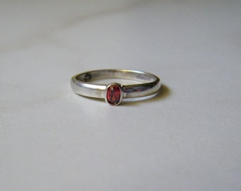 Sterling Silver 925 Small Garnet Ring, Size 6.75