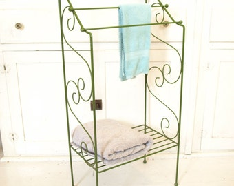Vintage 60s green wire mid century standing towel rack bathroom stand bar quilt display shabby chic hollywood regency