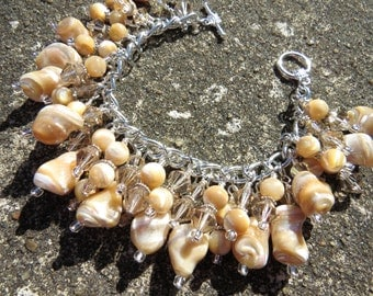 SHELL SHOCKED Cream and Tan Shell Bead Charm Bracelet ooak