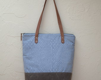 Zipper Tote Bag in Diamond Chambray with Waxed Canvas