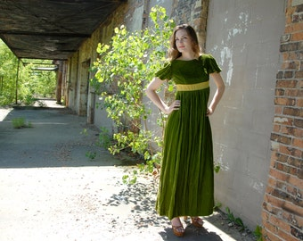 Vintage green velvet maxi dress, short puffed sleeves, empire waist, 1960s S