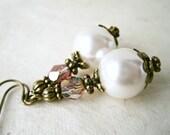 Ivory Pearl Earrings. Handmade Victorian Wedding Earrings. Ivory Bridal Jewelry. Pearl and Crystal Bridesmaid Earrings. Cream Jewelry.