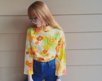 Hippie Flower Power Retro Floral Mock Neck Top with Bell Sleeves // Women's size Small S
