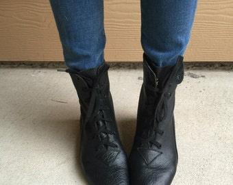 New Deadstock 80's Nine West Leather Lace Up Ankle Boots // Women's size 5 5.5